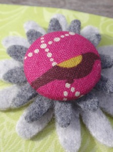 Grey & pink bird felt brooch