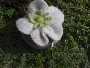 Tape measure - silver grey & green felt